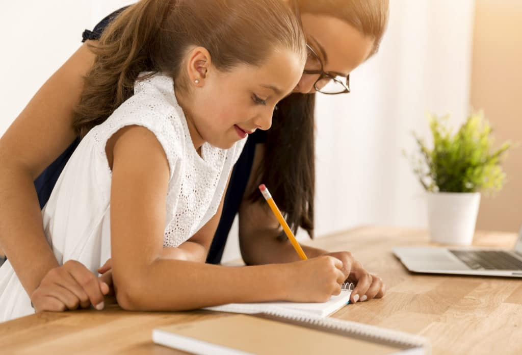 Apprendre une langue étrangère  à un enfant: quelques astuces