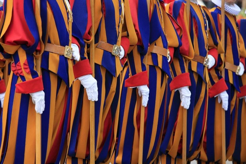 Les langues du Vatican :  1. l'Etat polyglotte