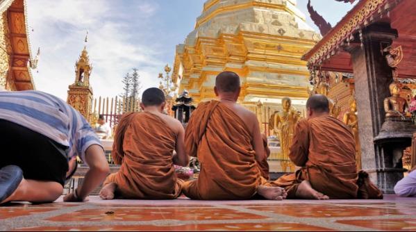 Savoir-vivre à l'étranger :  les règles à connaître